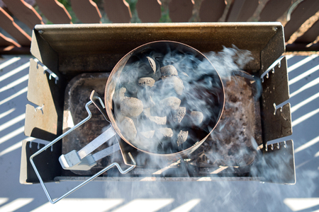 smolder: barbecue coal chimney starter