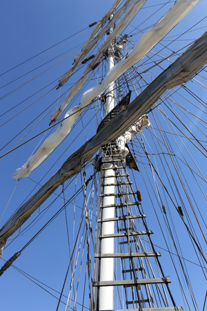 shrouds: square rigged mast of a barquentine
