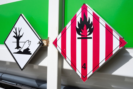 hazard labels (flammable solids and dangerous for the environment)