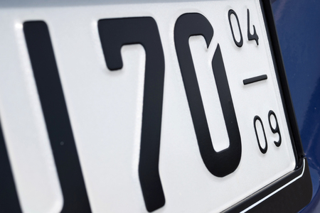 numberplate: registration validity period of a German seasonal numberplate (in this case April 1st to September 30th of each year)