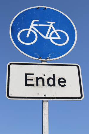 bikeway: German road sign: end of cycle path