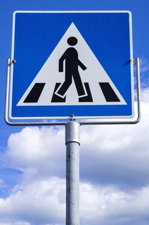 Norwegian road sign: pedestrian crossing