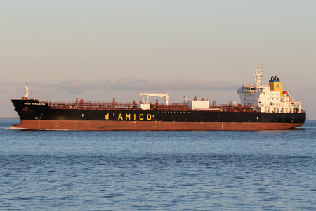 product tanker CIELO DI SALERNO on the river Elbe. dAmico International Shipping is listed since 2007 on the Milan Stock Exchange.
