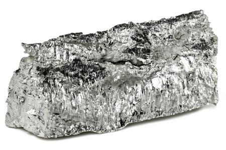 99,95% fijn magnesium geïsoleerd op een witte achtergrond