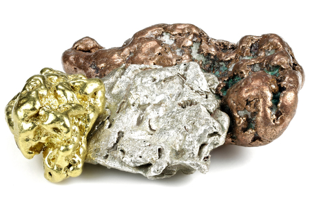 native gold, silver and copper nuggets isolated on white background Standard-Bild - 95159425