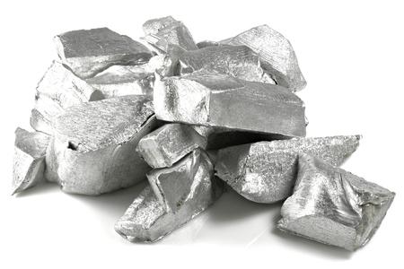 99.99% fine aluminum isolated on white background Standard-Bild - 95470302