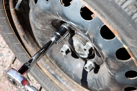 wheel change with torque wrench