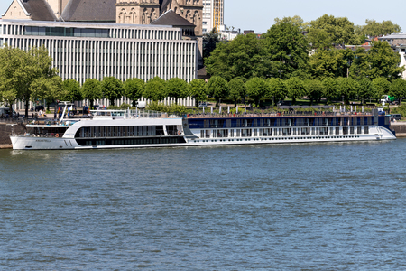 River cruise ship AMASTELLA of AmaWaterways in Cologne, Germany. AMASTELLA has a capacity of 148 passengers and is 135 m long. Redactioneel