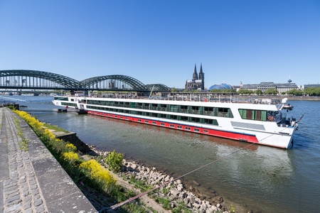 River cruise ship RHEIN MELODIE of Nicko Cruises. RHEIN MELODIE has a capacity of 198 passengers and is 132 m long. Redactioneel