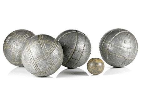 Bolas de petanca vintage aislado sobre fondo blanco. Foto de archivo - 102256407