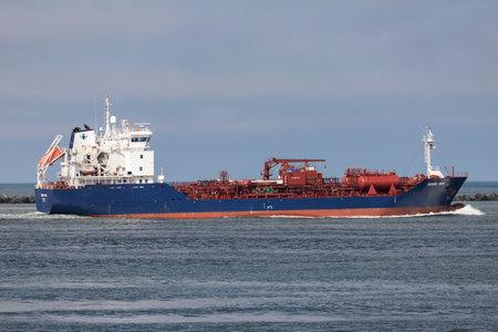 NORDIC INGE della nave cisterna chimica della Crystal Nordic inbound Rotterdam. Editoriali