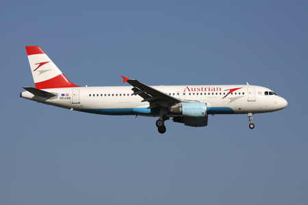 Austrian Airlines Airbus A320-200 (old livery) with registration OE-LBS on short final for runway 01 of Brussels Airport. Editorial