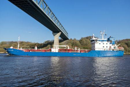 bitumen, oil & chemical tanker tanker STELLA VIRGO of Tarbit Shipping in the Kiel Canal