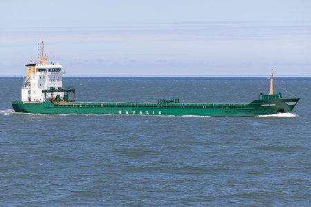 General cargo vessel NORRLAND inbound Rotterdam. Редакционное