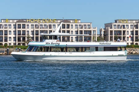 excursion boat MIN HERZING on Rostock harbor sightseeing tour Éditoriale