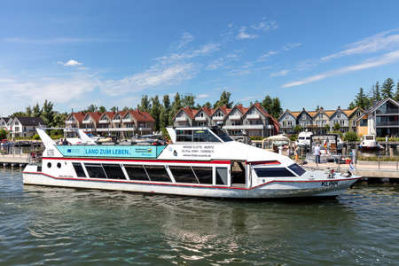 excursion boat KLINK of Weisse Flotte Müritz in Plau am See, Germany Éditoriale