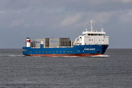 ro-ro vessel KUGELBAKE on the river Elbe