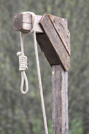 noose hanging from gallows Standard-Bild