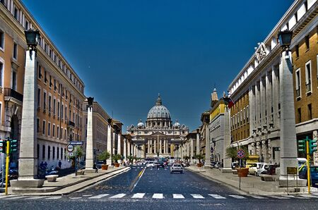 st  peter s square: St  Peter s Church, Vatican City
