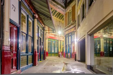 Leadenhall Market in de nacht, Londen, UK Redactioneel
