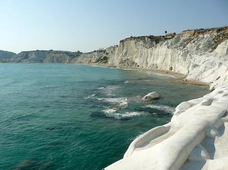 Les falaises rocheuses blanc nommé escalier des Turcs, Sicile, Italie