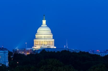 United States Capitol gebouw in de schemering, Washington DC, Verenigde Staten