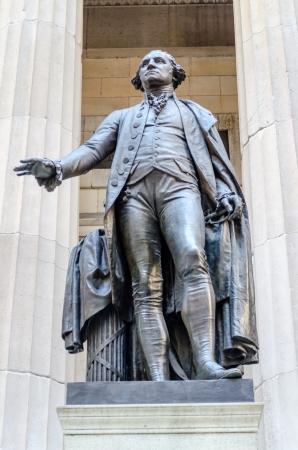 federal hall: George Washington Statue, Federal Hall, New York City Stock Photo