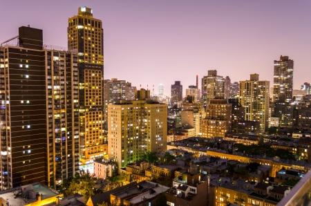 New York, Lucht Night View van de Upper East Side, op de hoek tussen 2 Ave en 86th st