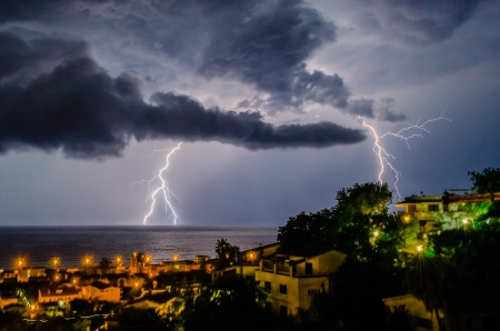 Lightning over the sea, night scene Stockfoto