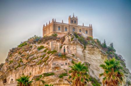 Kerk van Santa Maria dell'Isola, Tropea, Italië Stockfoto