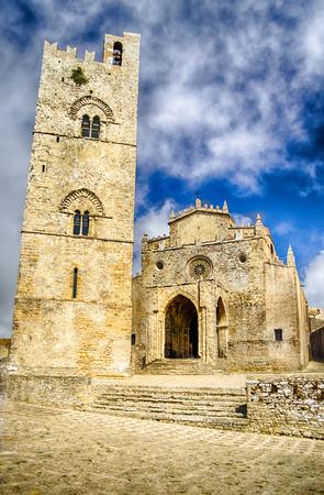 Middeleeuwse kathedraal van Erice, Sicilië, Italië, de zomer van 2014