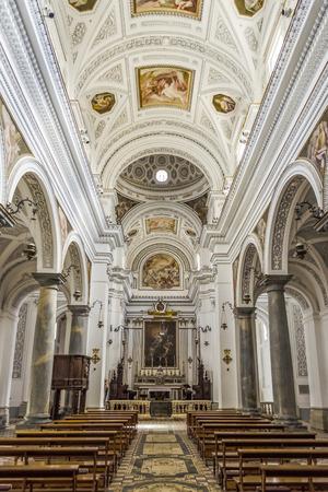 Interieurs van San Martino kerk in Erice, Sicilië, zomer 2014