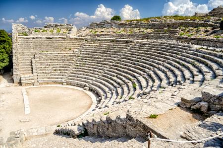 Greek Theatre of Segesta, Sicily, Italy, Summer 2014 Фото со стока - 33422103