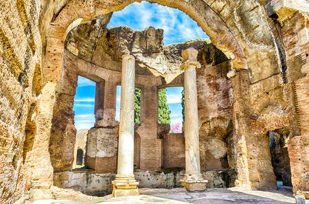 Roman Ruins inside the Great Baths at Villa Adriana (Hadrian's Villa), Tivoli, Italy Фото со стока - 39269640
