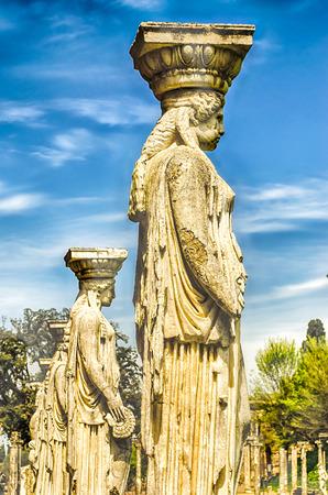 caryatids: Statues of the Caryatides overlooking the ancient pool called Canopus at Villa Adriana (Hadrians Villa), Tivoli, Italy