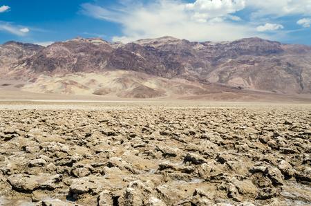 desierto: El salar de vac�o de golf del diablo en Death Valley, California, EE.UU.