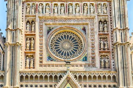 rose window: Rosone, particolare del Duomo di Orvieto, Italia Archivio Fotografico