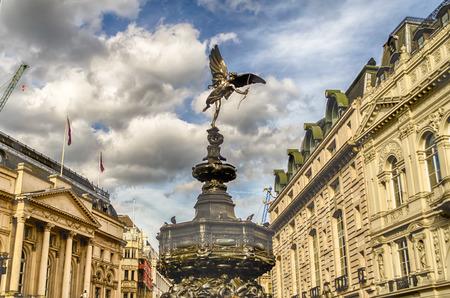 eros: Eros Statue at Piccadilly Circus, London, UK Archivio Fotografico