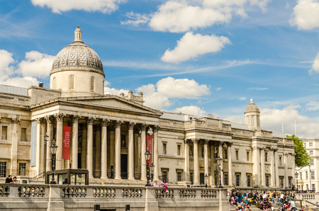 typically british: The National Gallery of London, UK