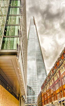 shard: Shard London Bridge, iconic Modern Skyscraper in the London Skyline