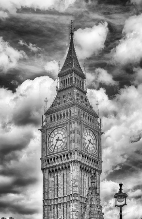 houses of parliament: The Big Ben, Houses of Parliament, London, UK