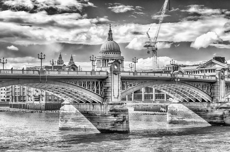 southwark: View of St Paul Cathedral over Southwark Bridge, London, Uk