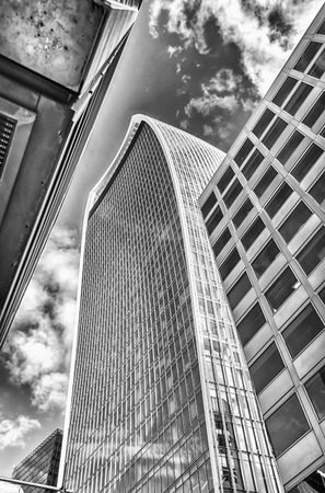 walkie: LONDON - MAY 29: The 20 Fenchurch Street aka Walkie Talkie building in London, May 29, 2015. The skyscraper is the fifth-tallest building in the City of London