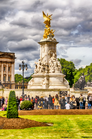 queen of angels: Victoria Memorial at Buckingham Palace, London, UK