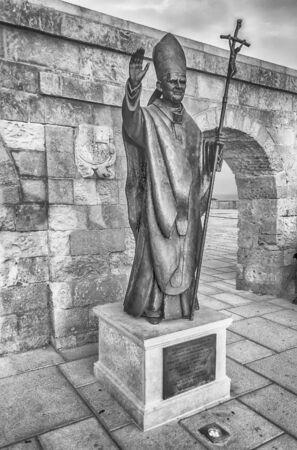 pope: Pope Benedict XVI bronze statue in Santa Maria di Leuca, Salento, Apulia, Italy