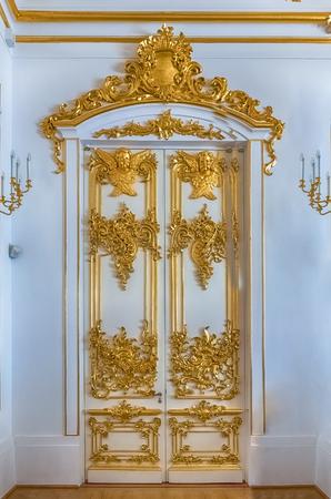 サンクトペテルブルク, ロシア連邦 - 8 月 27 日: 2016 年 8 月 27 日サンクトペテルブルク、ロシアでエルミタージュ (冬宮殿) のインテリア。エルミター