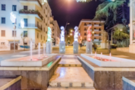 fond de défocalisation rue centrale à Cosenza, Italie. post-production Intentionnellement floue pour effet bokeh Banque d'images