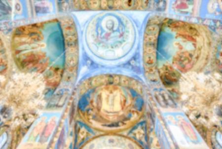 Contexte désamorcé avec l'Église du Sauveur sur le Sang répandu, Saint-Pétersbourg, Russie. Post-production floue intentionnellement pour l'effet bokeh