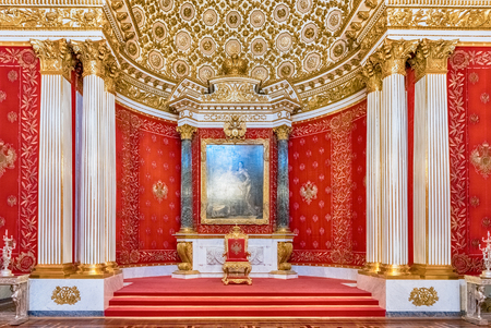 ST. PETERSBURG, RUSSIA - AUGUST 27: Small Throne Hall, interior of the State Hermitage (Winter Palace) in St. Petersburg, Russia, August 27, 2016. Hermitage is one of the largest and oldest museums of art and culture in the world 報道画像