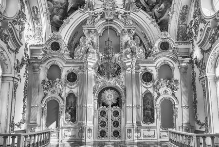 ST. PETERSBOURG, RUSSIE - 27 août: La grande église du Palais d'Hiver, intérieur de l'Ermitage (Palais d'Hiver) à Saint-Pétersbourg, en Russie, le 27 Août 2016. Hermitage est l'un des plus grands et des plus anciens musées d'art et de la culture en le monde